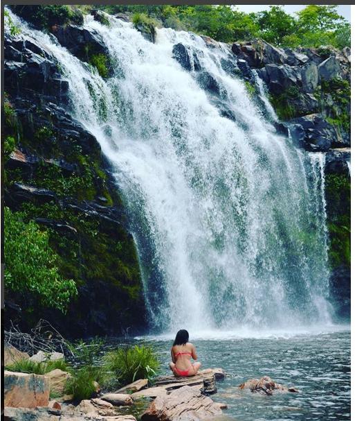 cachoeira poço encantado.png